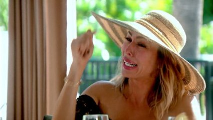 real-housewives-of-orange-county-season-11-hero-1113-kelly-breaks-down-when-talking-about-her-marriage